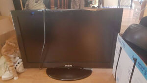 """perfectly working RCA HDTV 32"""" 180p Need gone asap ."""