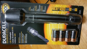 DURACELL 1000 lumens LED Flash light BNIB..ZOOM FOCUS feature