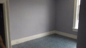 For Rent, available  immediately, 1bedroom apartment(house)