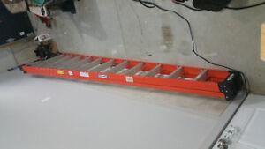 12 ft fiberglass ladder