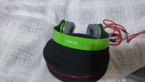 $50.00 TODAY!!Dr dre beats solo hd headphones (like new!!)