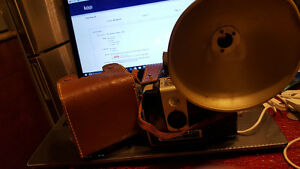 Brownie Hawkeye Kodak Camera Flash Model with flash and case Exc
