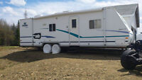 roulotte 29 pied, annee 2001........ 2001 camper 29 foot