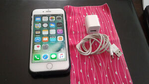 White Unlocked Iphone 6 16 gb Cell Phone for Sale.
