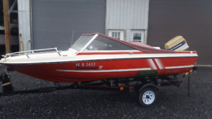 15 1/2' Peterborough boat with a 70hp evinrude outboard