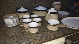 Denby Madrigal Stoneware England Dishware 32 Pieces