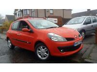 2007 07 RENAULT CLIO 1.4 16V 98 DYNAMIQUE 5 DOOR IN RED.NICE EXAMPLE WITH F/S/H.