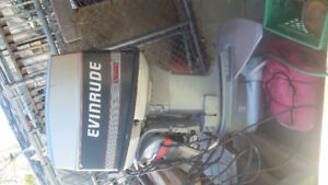Evinrude boat motor vro 70hp comes with power trim and throttle