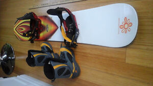 RIDE SNOWBOARD, BOOTS 5150 size 8.5, RIDE bindings, West Island Greater Montréal image 2