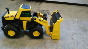 Tonka, camion benne et chargeuse
