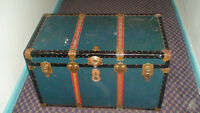 ANTIQUE CHRISTIES BAGGAGE STEAMER TRUNK