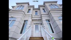 AMAZING Windermere townhome!!!