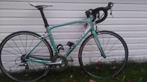 Giant Avail Advanced Road Bike (Women's)