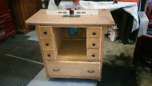 TABLE A TOUPIE / TABLE ROUTER