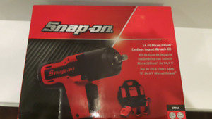 Snap On 14.4 volt  MicroLithium Cordless Impact Wrench Kit CT761
