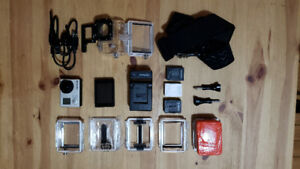 Gopro Hero 3 + LCD Touch Bacpac and 4 batteries