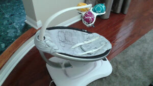 4moms® mamaRoo® 4 Plush Infant Seat in Silver