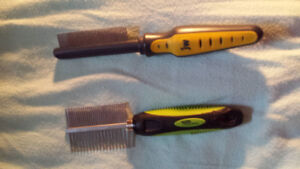 Pet grooming tools (e.g. cat or dog)