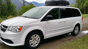 NEW PRICE!! 2014 Dodge Caravan SXT Minivan, Van