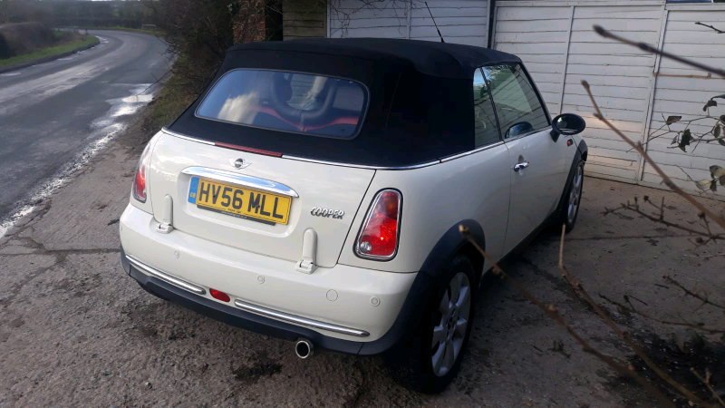 Mini Cooper Rf32 Convertible Cabriolet R52 Cvt Automatic White In Milton Keynes Buckinghamshire Gumtree