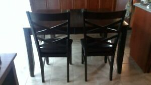 Dining Room Table, 4 Chairs & Bench