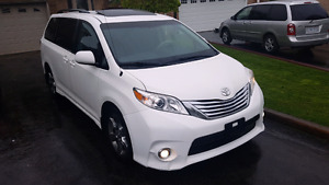 2012 Toyota Sienna SE SPORT - CERTIFIED! WE PAY HST! 120kms!