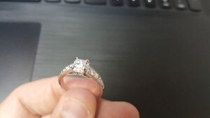 14kt White gold engagement ring - 0.45ct princess, 1.00ct total