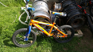 Boys bike ages 4 to 8