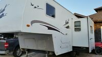 2009 Nash 25' 4 Season Fifth-Wheel-$17,900
