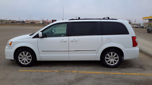 2016Ttown and Country  Touring , NO GST