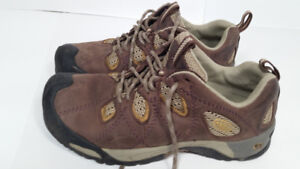 KEEN - bottes femme - taille 7.5 ou 38
