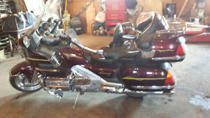 2002 Honda Goldwing 1800 ABS * LOW MILEAGE *