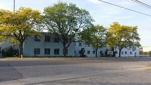 Large Industrial Building in Cambridge w/Cranes - Great Rates!!!