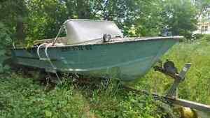 Boat &15 hp Johnson