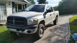 2006 Dodge Power Ram 2500 6 speed manual