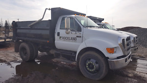 2005 Ford F750 Dump, CAT engine, Auto, low km
