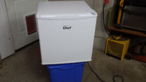 1.6 cu ft fridge