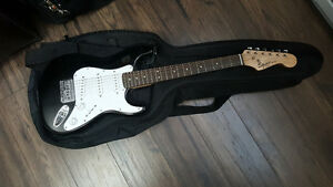 Electric Guitar Squier Mini by Tender
