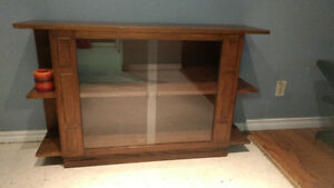 Beautiful Solid Oak TV Stand (Incl. Delivery)