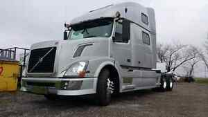 "2007 Volvo VN 780 ""READY TO WORK """