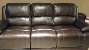 Cindy Crawford powered leather recliner Cambridge Kitchener Area image 1