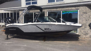 Mastercraft NXT20 Global Edition Outboard Wakeboard/Ski Boat