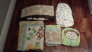 8 Piece Jungle Theme Crib Set and Comforter Excellent Condition