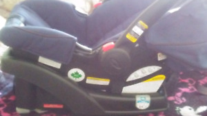 Car seat like brand new NO ACCIDENTS no stains nore tears
