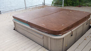 8' x 8' HOT TUB COVER
