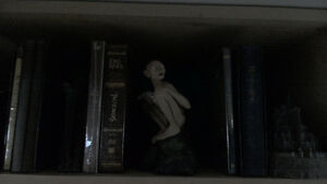 All three Lord of the ring Collectors box sets and statues!!