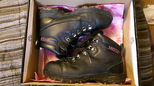 Woman's steel toes work boots