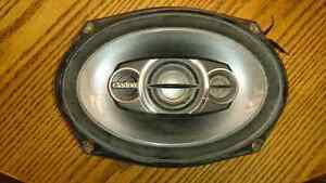 """Pair of Clarion 6""""x""""9 speakers for sale"""