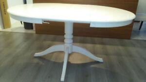 Tables à rallonges + 4 chaises