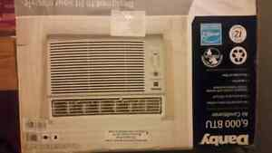 DANBY  6000   BTU  Air conditioner LIKE NEW         with wrrant